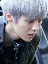 """男生灰白色头发图片 你未必适合""""奶奶灰""""[3P]"""