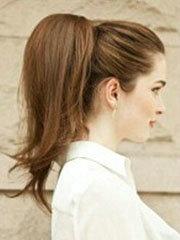 气质无刘海蓬松马尾辫的扎法图解[6P]