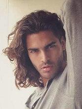 男人味性感卷发发型图片[4P]