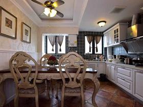 精致典型歐式三居室裝修設計