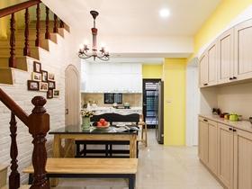 美式柠檬黄设计复式装修效果图
