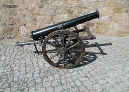 威力巨大的老式火炮图片_12张