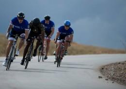 骑着山地自行车的人图片_15张