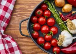 锅里的新鲜蔬菜图片_11张