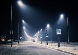 晚上路燈閃亮的街道圖片_14張
