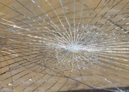 被打碎的玻璃圖片_12張