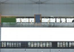 动车站空白广告牌图片_10张