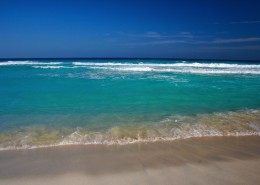 风景优美的海滩图片_16张
