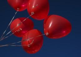 心形红气球图片_14张