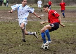 节奏紧张的足球比赛图片_13张
