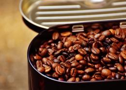 容器里的咖啡豆图片_12张