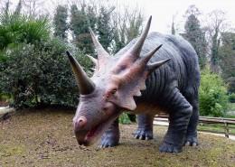 白堊紀時期的恐龍模型圖片_15張