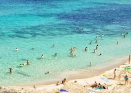 在海邊度假的人圖片_10張