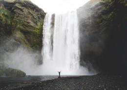 飞流直下的瀑布图片_14张