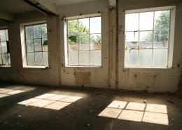 废弃的房子图片_12张
