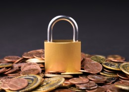 錢幣與鎖寓意資產與安全圖片_9張