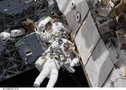 太空中的宇航员图片_15张