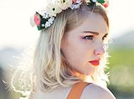 歐美美女糖果色簡約壁紙圖片