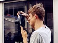 歐美風男生個性酷拽手機壁紙圖片
