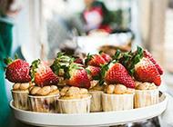 新鲜甜蜜的草莓点心图片