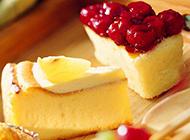 酥松綿軟的果醬糕點圖片