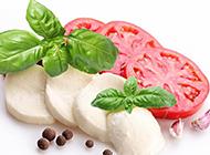 新鮮的番茄奶酪沙拉圖片