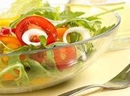 新鲜嫩绿的蔬菜摄影图片