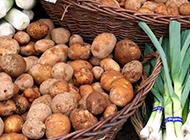 市场的土豆蔬菜图片