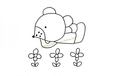 花丛中的小熊