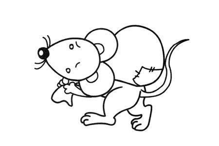 背着包袱的小老鼠