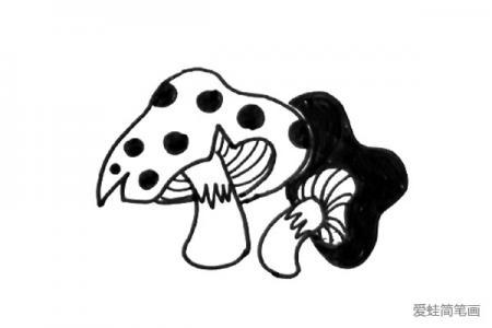黑白线描小蘑菇