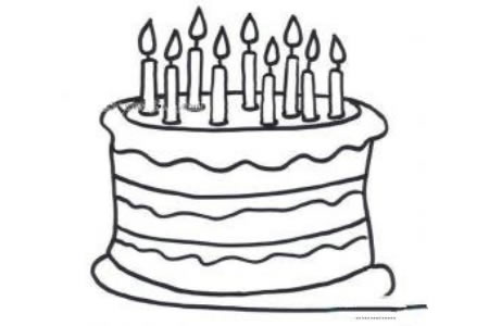 点燃蜡烛的蛋糕