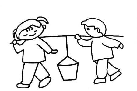两个小孩在抬水