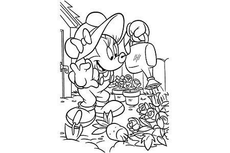 米老鼠给花园里的画浇水