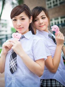 可爱美女迷人学生制服清纯写真