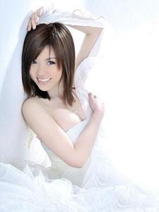 白色纯美可爱酥胸妖娆