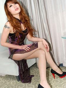 美艳少妇透明旗袍下的风流肉丝引诱