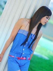 蓝色抹胸漂亮MM