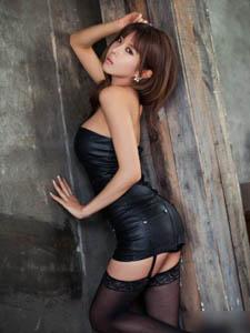 韩国靓丽丝袜酥胸俏佳人