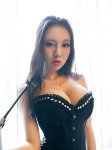 野性美女火辣性感SM写真