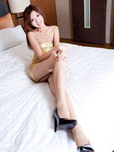 极品美腿美女Vicni丝袜迷人写真