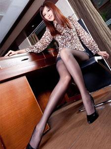 国内最美性感丝袜美女模特Vicn