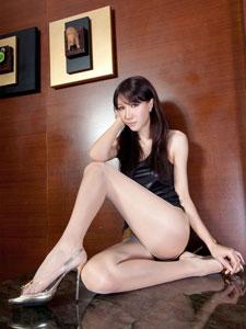 丝袜美女Jill长腿诱惑