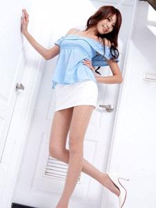 超细美腿性感美妞Melissa迷人写真