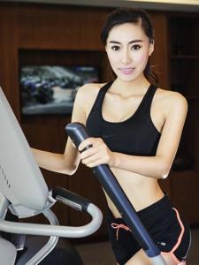 运动健将90后嫩模刘颖