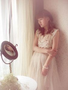 甜美蕾絲公主尋求靈魂安慰