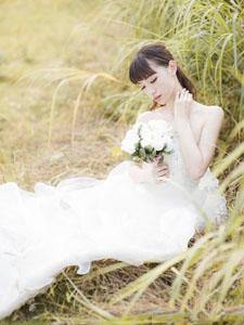 唯美少女户外婚纱写真
