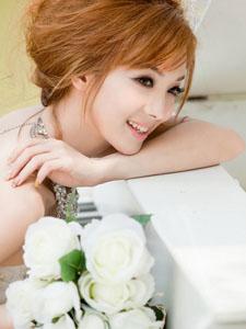 绝美气质美模幸福当新娘