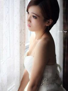 美艷佳人白色浪漫唯美婚紗
