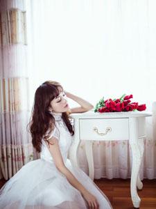 顶级养眼美女花和纱气质婚纱写真
